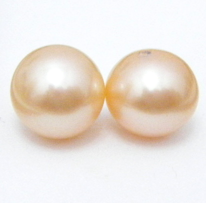 90c8507fb Here they are: You can see that only the top pair is remotely gold. It's  too pale though and one pearl is larger than the other (by 0.4mm)