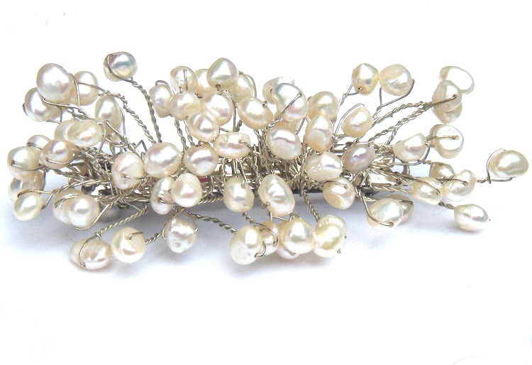 White Small Pearls Hair Slide