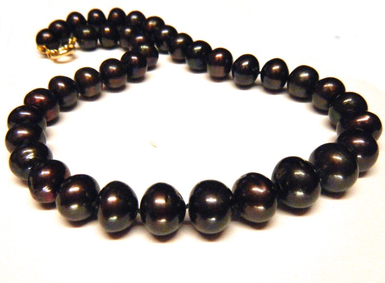 Black 11.5-15.3mm Pearls Necklace