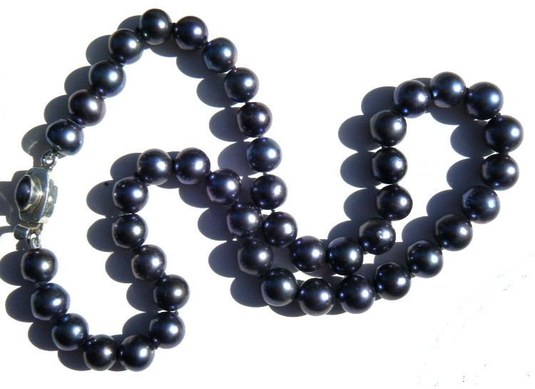Black 9-10mm Round Pearls Necklace